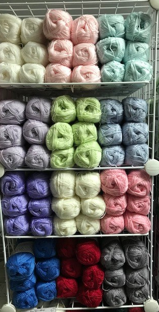 Plenty of lovely colours to choose from in this 4ply yarn.